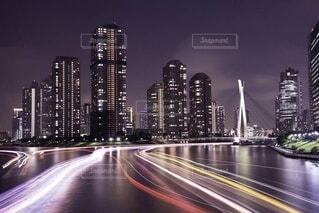 夜の都市の眺めの写真・画像素材[4066769]