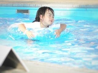 流れるプールの写真・画像素材[3555045]