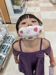 手作りマスクとあかりちゃんの写真・画像素材[3546743]