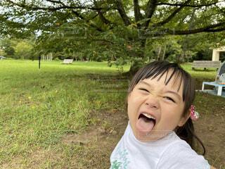 公園とあかりちゃんの写真・画像素材[3628108]