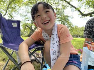 夏の公園でプチキャンプの写真・画像素材[3628111]