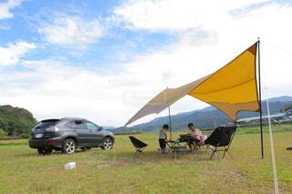 河川敷でのディキャンプの写真・画像素材[3285651]