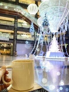 建物,冬,大阪,イルミネーション,クリスマス,マグカップ,ティータイム,ダイニングテーブル,クリスマスイルミネーション,グランフロント大阪,クリスマス ツリー