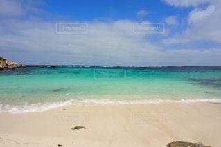海の隣の砂浜の写真・画像素材[3297913]