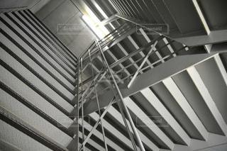 果てしなく続く非常階段。の写真・画像素材[3349433]