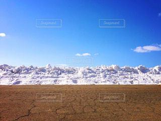 雪と空とコンクリの写真・画像素材[1732720]