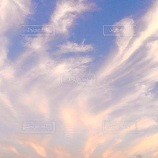 動きのある雲の夕焼けの写真・画像素材[3461114]