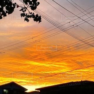オレンジの夕焼けの写真・画像素材[3482181]
