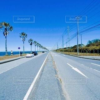真っ直ぐな道路の写真・画像素材[3301015]