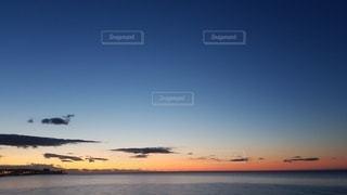 夕暮れ時背景の写真・画像素材[3337251]