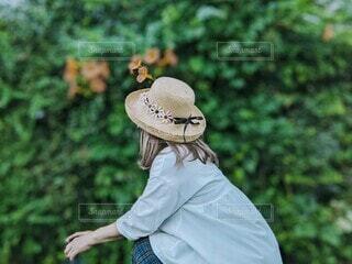 麦わら帽子の女性。の写真・画像素材[4761440]