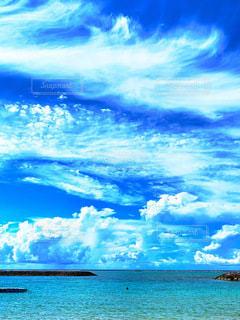 海と空と雲との写真・画像素材[3552648]