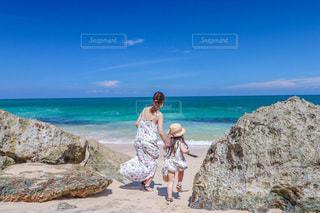 海へ向かっての写真・画像素材[3315564]