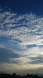 空の雲の群の写真・画像素材[3325688]