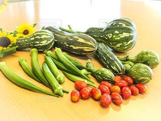 食べ物,ひまわり,テーブル,トマト,野菜,食品,オクラ,食材,フレッシュ,ベジタブル,カボチャ