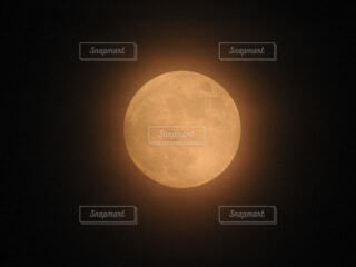 自然,風景,空,夜,夜空,月,満月,クレーター,月光,薄雲
