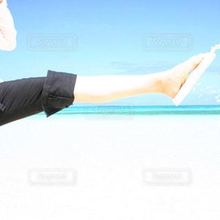 空気を通って飛んで人の写真・画像素材[1313626]