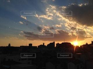 元旦の日没、ベランダからの眺めの写真・画像素材[3490599]