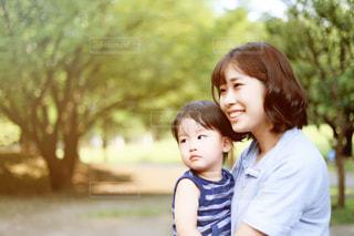 公園の少女の写真・画像素材[748833]