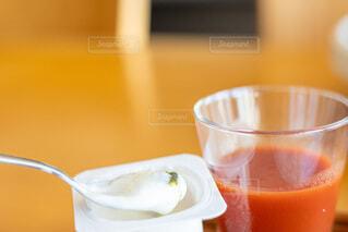 食べ物,コーヒー,屋内,ジュース,テーブル,カップ,カクテル,飲料,酪農,トマトジュース,ソフトド リンク,ノンアルコール飲料,ベジトレル