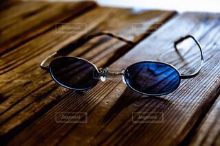 木のテーブルのクローズアップの写真・画像素材[3646412]