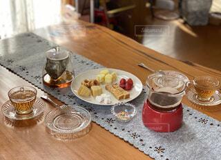 食べ物,カフェ,コーヒー,ディナー,屋内,デザート,テーブル,フルーツ,リラックス,食器,カップ,おうちカフェ,ドリンク,おうち,ライフスタイル,チョコレートフォンデュ,おうち時間,受け皿,こうち