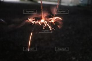 線香花火の写真・画像素材[4659655]