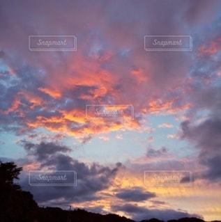 夕焼けと青空の写真・画像素材[3396333]