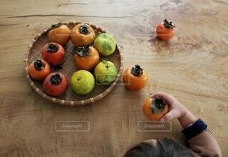 秋のフルーツ収穫の写真・画像素材[3853563]