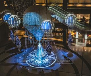 青,気球,アート,イルミネーション,クリスマス,丸,ブルー,ツリー,グランフロント大阪,クリスマス ツリー,ファッションアクセサリー,グランフロントクリスマス,GrandWishChristmas2020