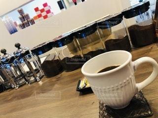 カフェ,コーヒー,屋内,室内,リラックス,マグカップ,焙煎,くつろぎ,コースター,おしゃれ