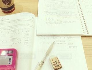 コーヒー,屋内,ピンク,室内,ノート,資格,大人,勉強,成長,ママ,自宅,シャーペン,電卓,努力,テキスト,会計,自習,学習,キャリアアップ,問題集,試験勉強,簿記,資格試験,税理士,マーカー,おうち時間,自宅学習,自己投資,税理士試験,簿記論