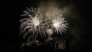 空の花火の写真・画像素材[3687051]