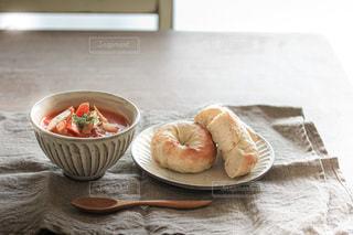 手作りパンとミネストローネ。の写真・画像素材[3368086]