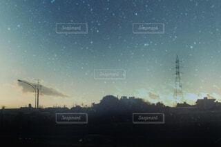 夕空の雲の群の写真・画像素材[3646402]