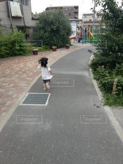公園に走るの写真・画像素材[3366952]