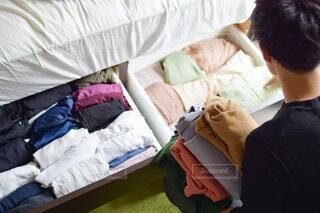 引き出し収納の衣替えで季節の変わり目を感じるの写真・画像素材[4375578]