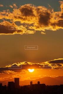 名古屋上空の鮮やかな夕焼けの風景の写真・画像素材[4843670]