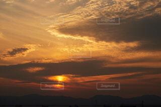 夏の綺麗な夕焼けと青空の風景の写真・画像素材[4845028]