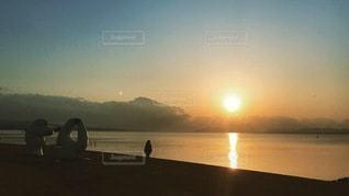 夕日にたたずむの写真・画像素材[3395428]