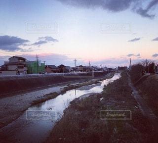 虹色の夕日の写真・画像素材[3396419]