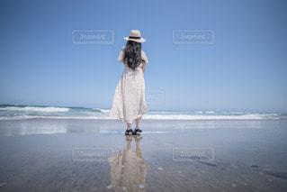 水面に映る君の写真・画像素材[3544160]