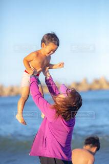 叔母と孫の写真・画像素材[3627389]