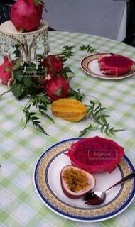 食べ物,ピンク,南国,テーブル,フルーツ,野菜,食品,種,食材,フレッシュ,ベジタブル,ドラコンフルーツ