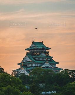夕焼けと大阪城の写真・画像素材[3379315]