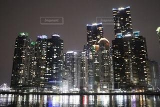 夜の韓国の写真・画像素材[3381530]