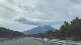 自然,風景,空,秋,富士山,屋外,雲,道路,山,高速道路,樹木,道,雄大,ハイウェイ,日中,笠雲