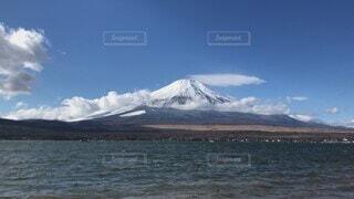 自然,風景,空,秋,富士山,雪,屋外,湖,太陽,ビーチ,雲,青空,船,水面,山,景色,雄大,ハイキング,彩雲,湖畔,山中湖,日中