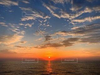 船上からの夕焼けの写真・画像素材[3397633]
