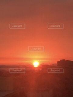 自然,風景,空,太陽,朝日,赤,雲,光,正月,お正月,日の出,神秘,新年,初日の出,ご来光,登る,光景,暖色系,陽,残光,朝の赤い空